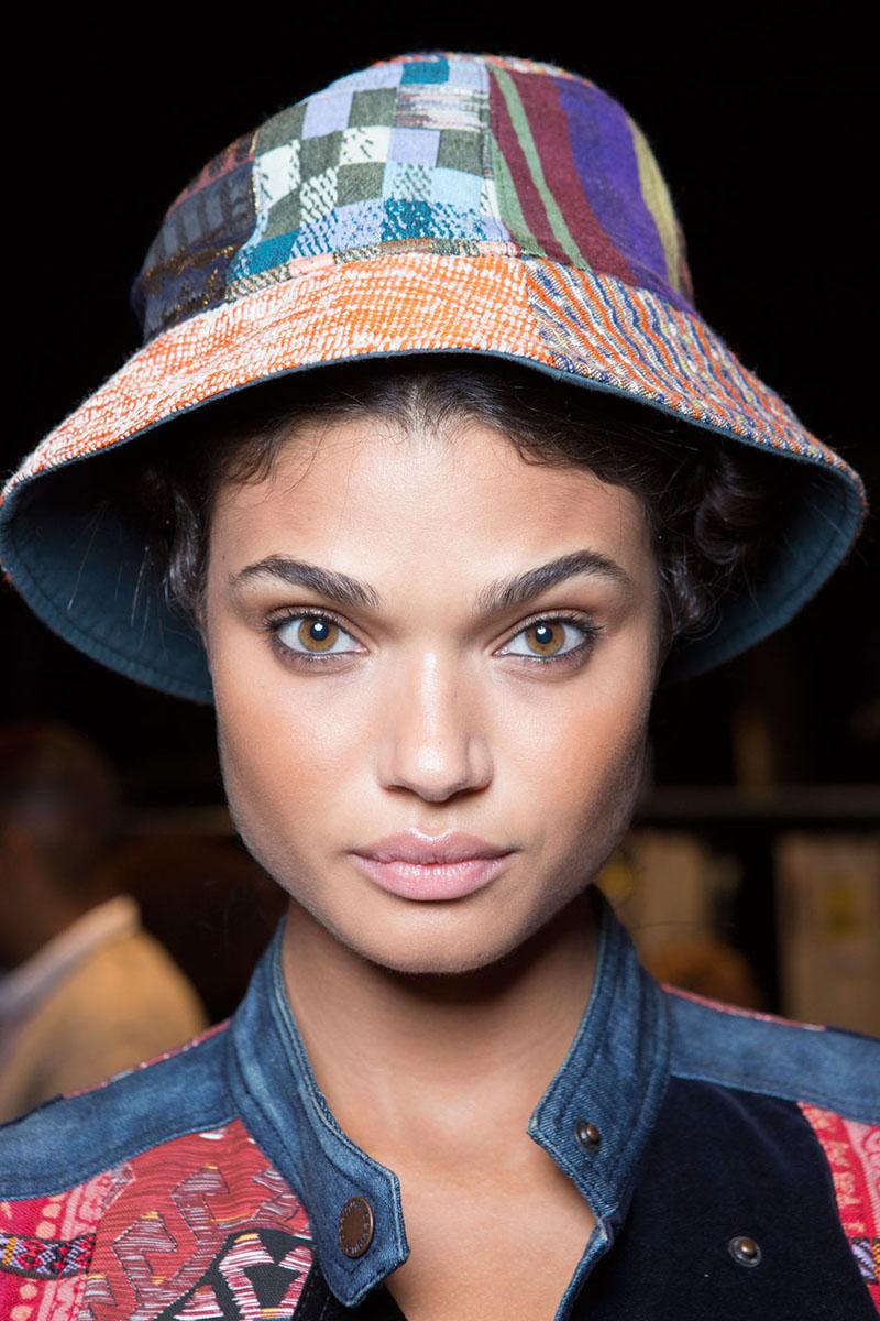 Schminktipps Eyeliner Augen Make up Trends bcbg
