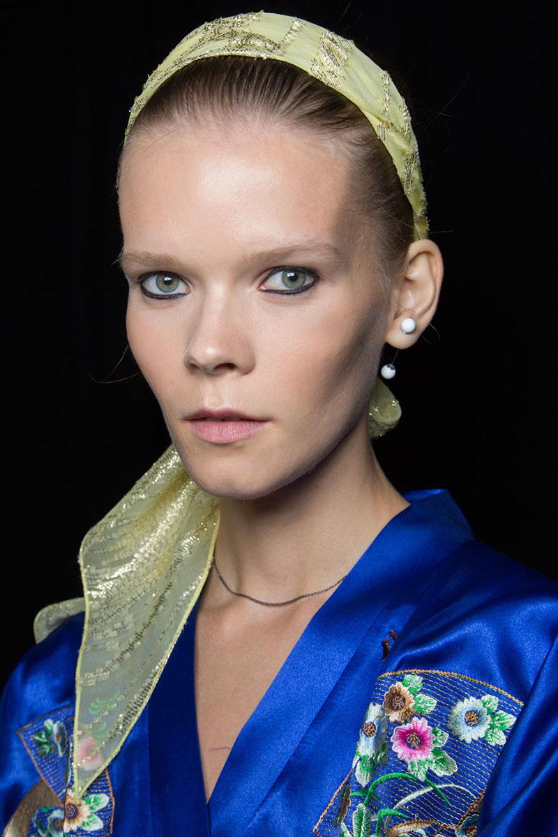 Schminktipps Eyeliner Augen Make up Trends reem acra