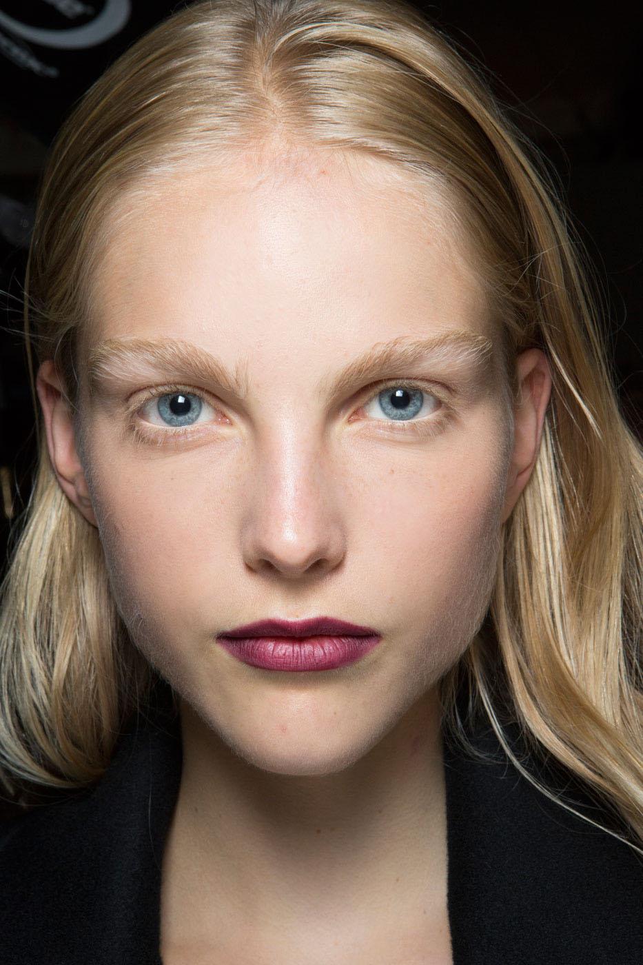 Schminktipps dunkle Lippen burberry vampir inspiration
