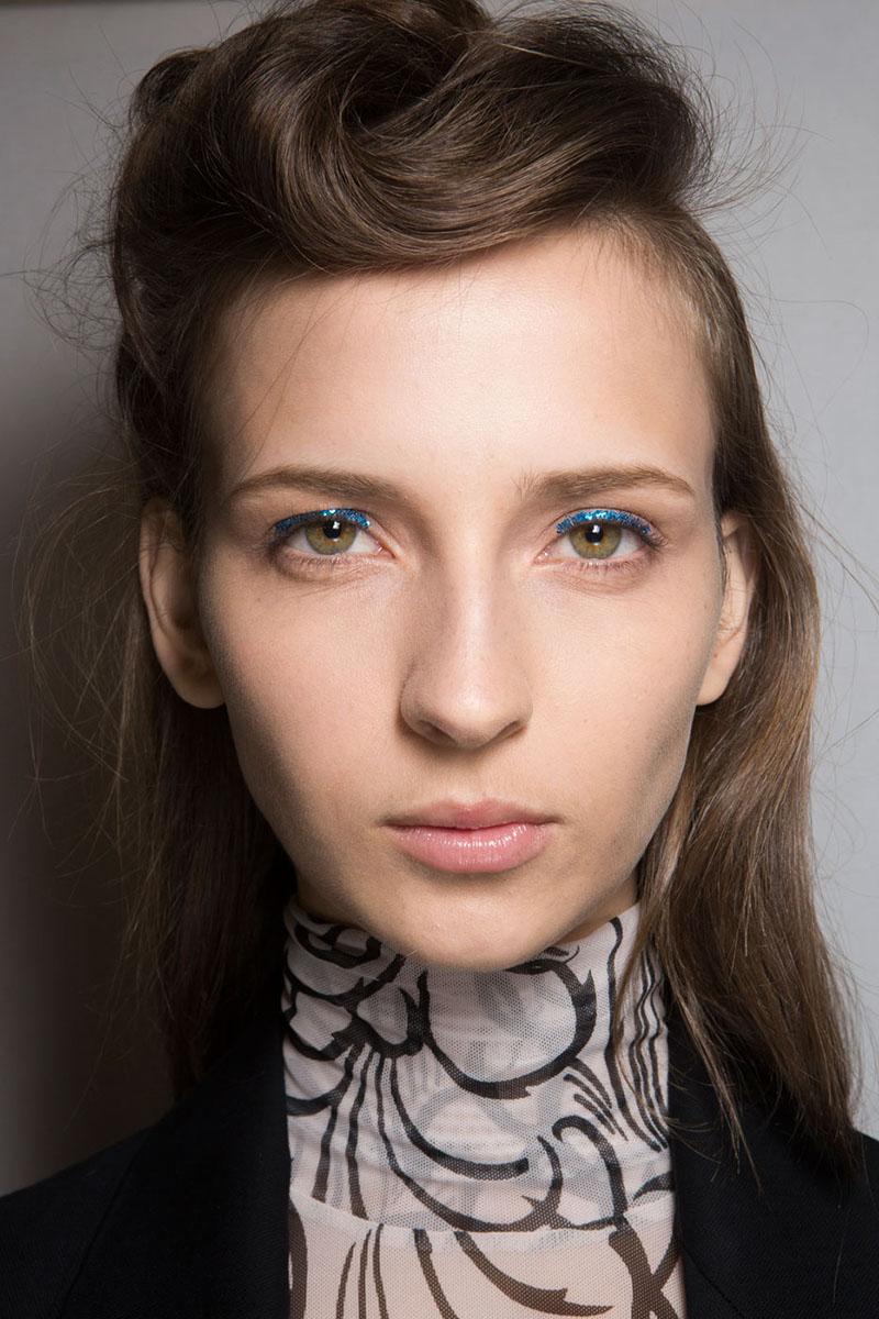 Schminktipps glitter Augen Makeup Lidschatten van noten