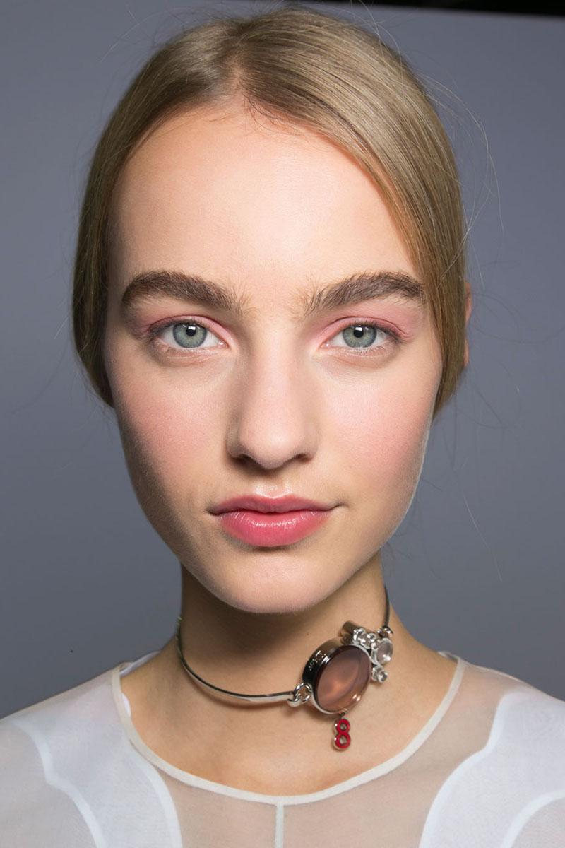 Schminktipps rosa Lidschatten Augen Make up Trends dior
