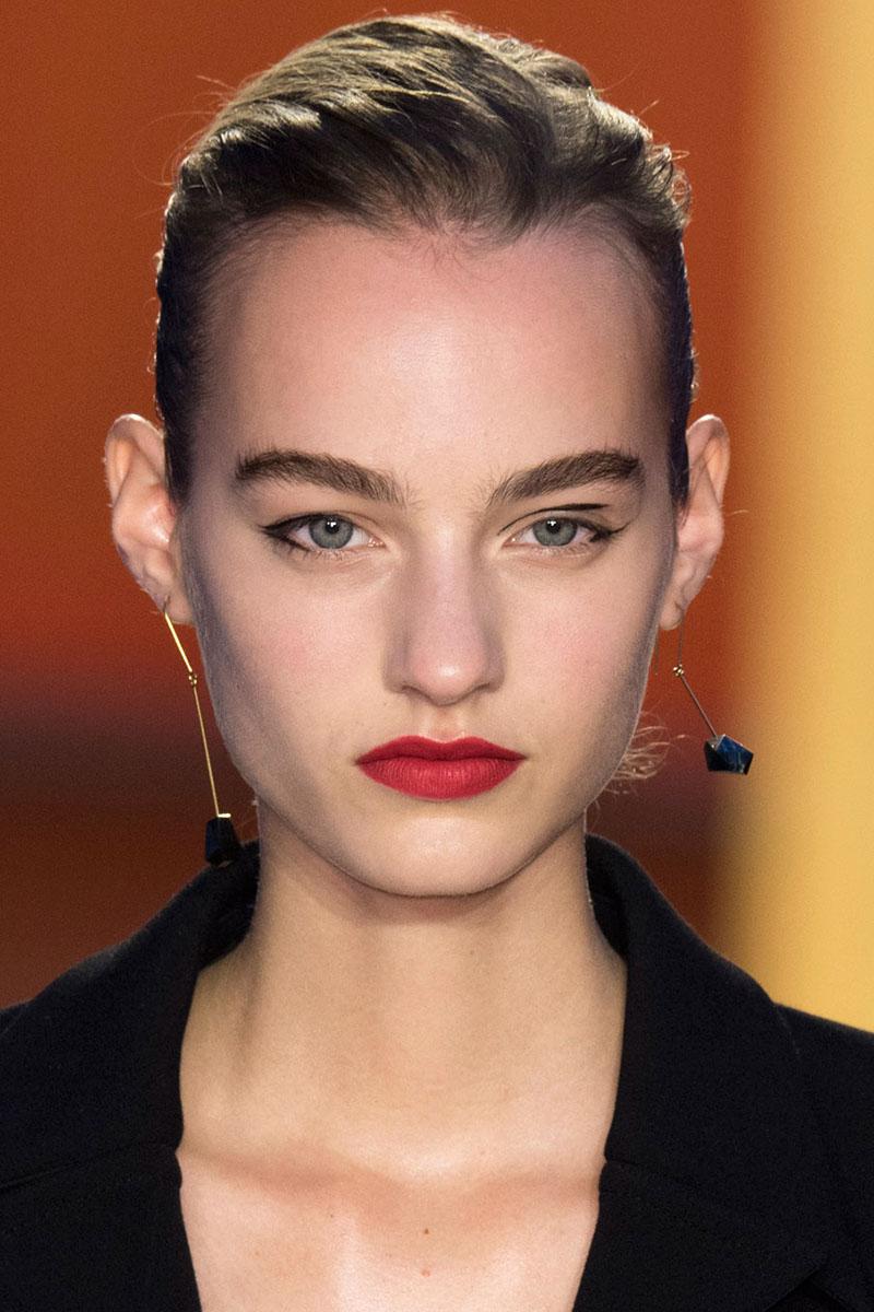 Schminktipps rote Lippen Make up Trends celine