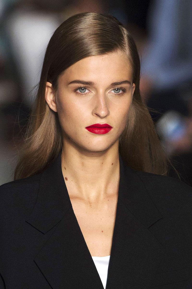 Schminktipps rote Lippen Make up Trends dkny