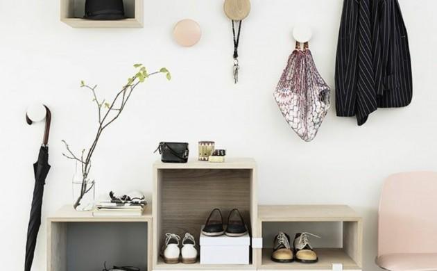 Wandgestaltung-Wandfarbe-Flur-Weiß-GarderobenhakenDielenmöbel-Wandgemälde