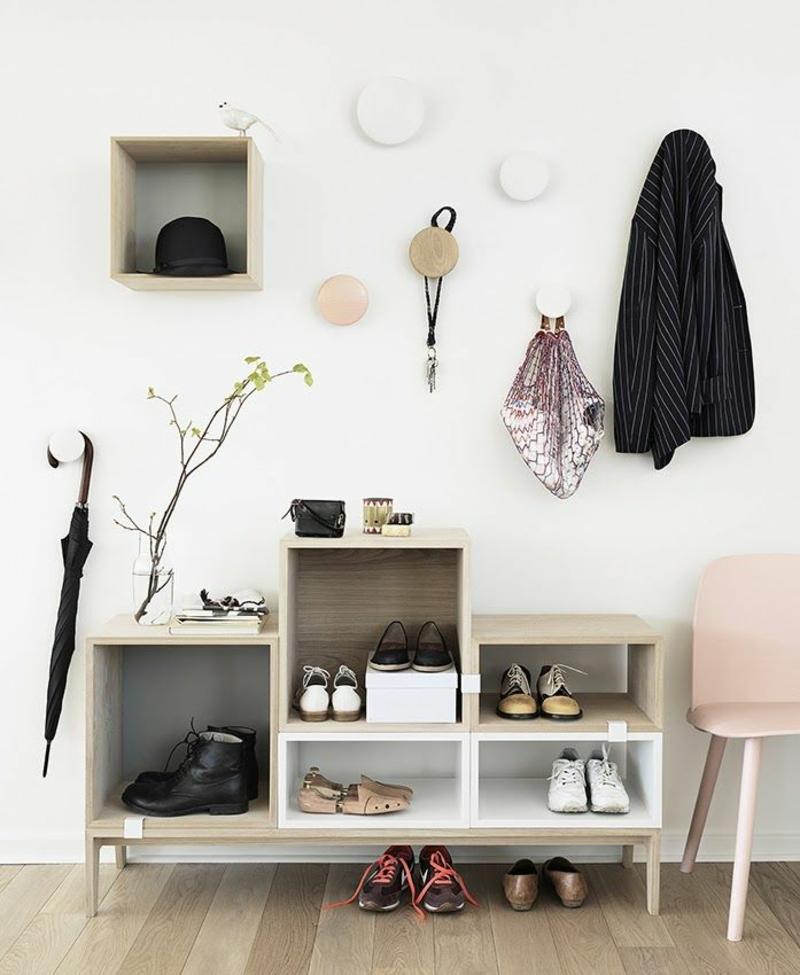 Wandgestaltung Wandfarbe Flur Weiß Garderobenhaken Dielenmöbel Wandgemälde