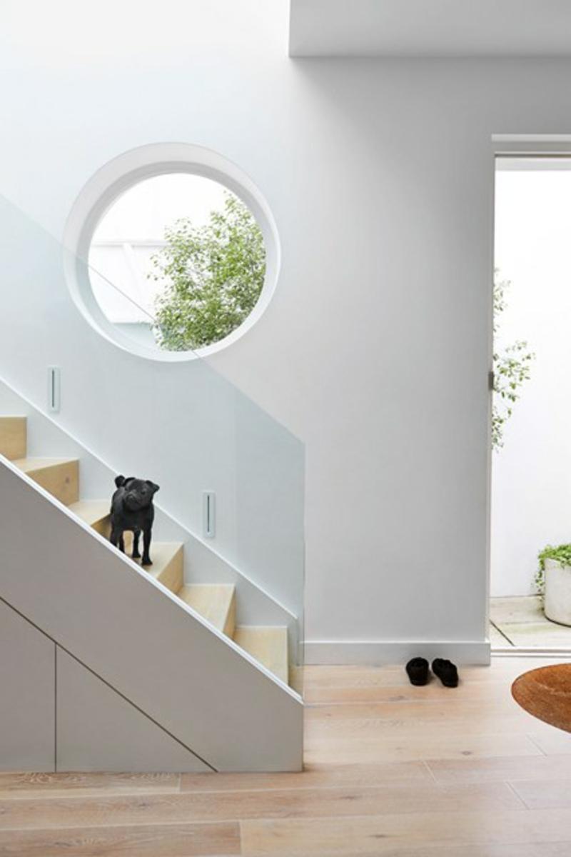 Wandgestaltung Wandfarbe Flur Weiß Treppenhaus