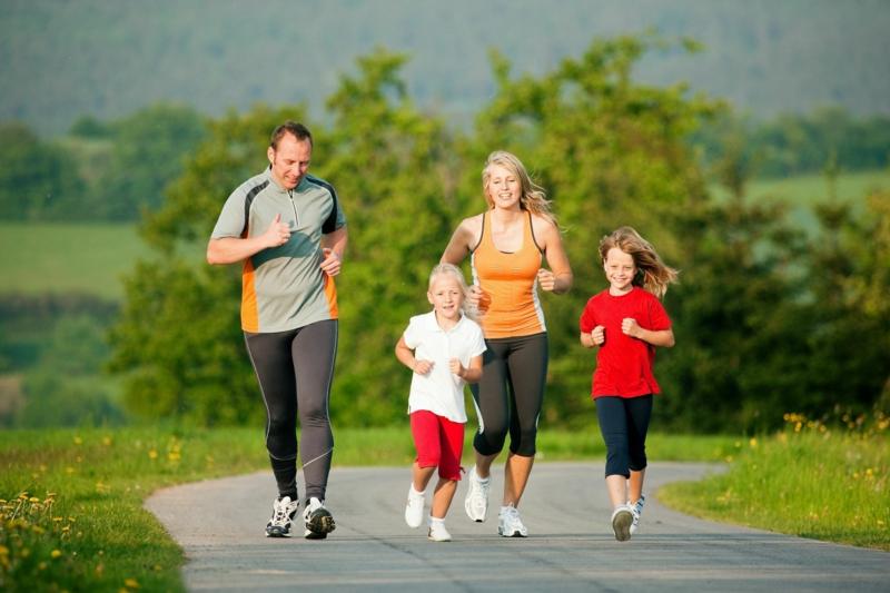 Wie können Kinder abnehmen zusammen joggen