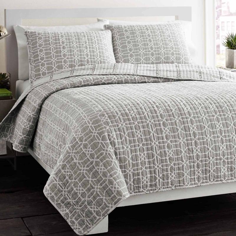 aufgefallene Bettwäsche grau Musterstoff Bettlaken