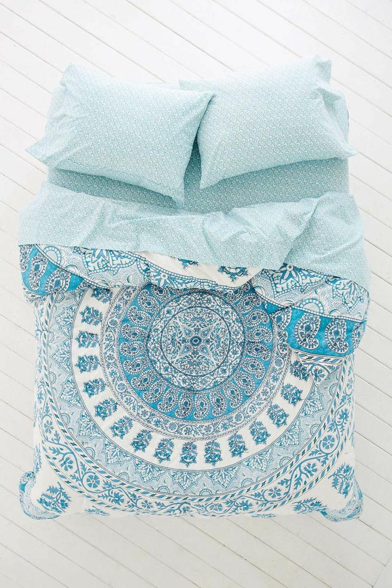 ausgefallene Bettwäsche hellblau eleganz und dezent