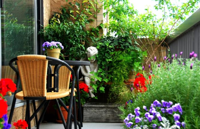 garten gestaltung balkonpflanzen balkonmöbel blumen