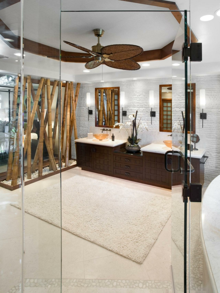 bambus deko bambusstangen ideen badezimmer einrichtung dunkles holz waschbeckenschränke deckenventilator