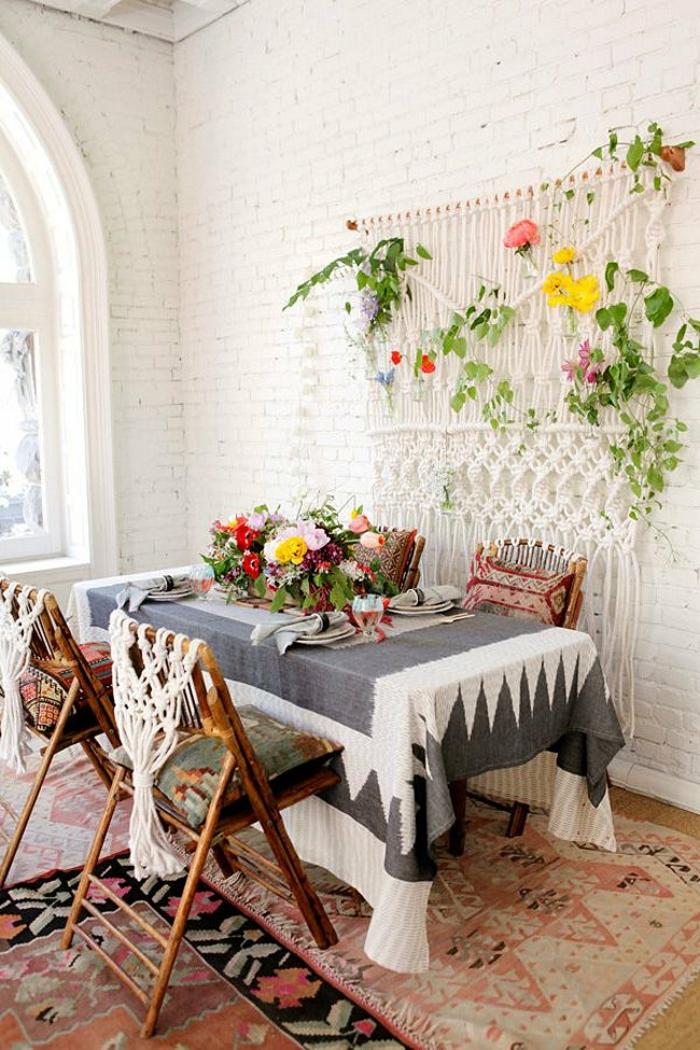 bambus deko bambusstangen ideen wohnaccessoires klappstühle boho stil esszimmer