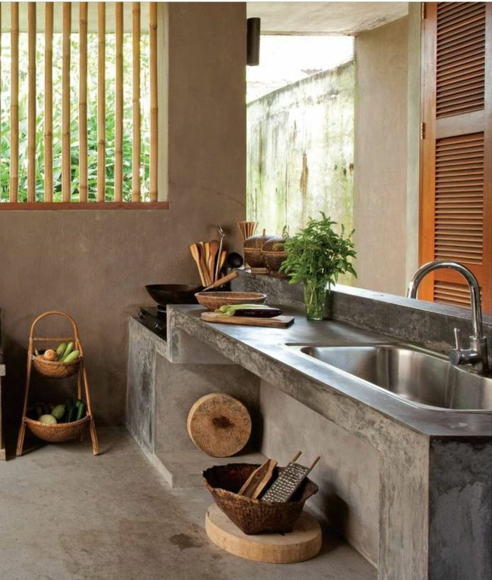 bambusstangen obambusstangen sichtschutz fenstergitter rustikale küche