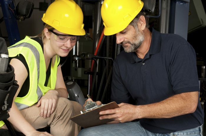betriebsmittel industriebedarf schutzhelme profis
