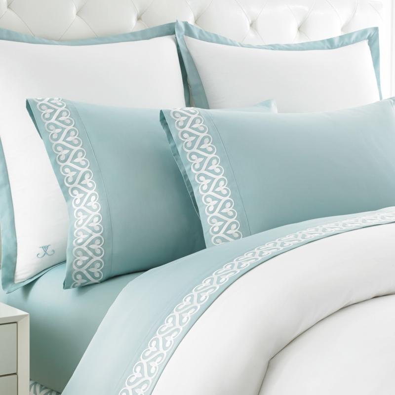 blaue Bettwäsche hellblau weiß elegante Winterbettwäsche