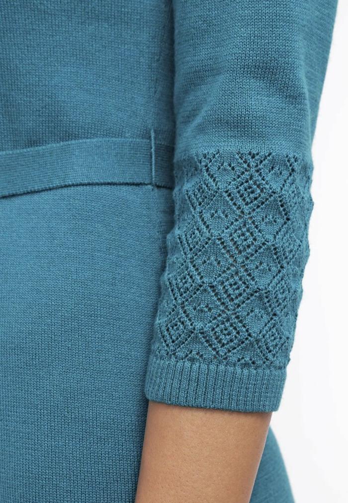 blaues kleid farbgestaltung blaue kleider dessin ärmel
