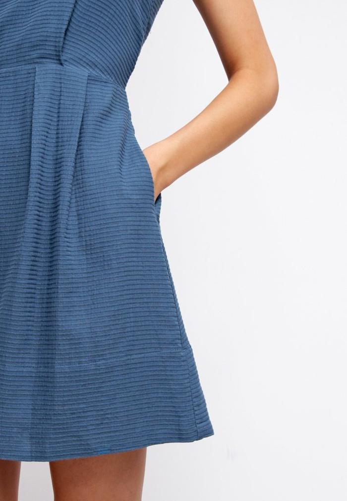 100 blaue kleider als beweis daf r dass blau eine. Black Bedroom Furniture Sets. Home Design Ideas
