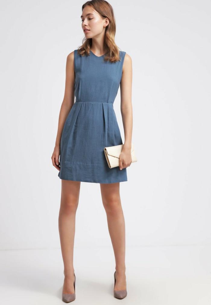 blaues kleid farbgestaltung blaue kleider dessin leichtes kleid