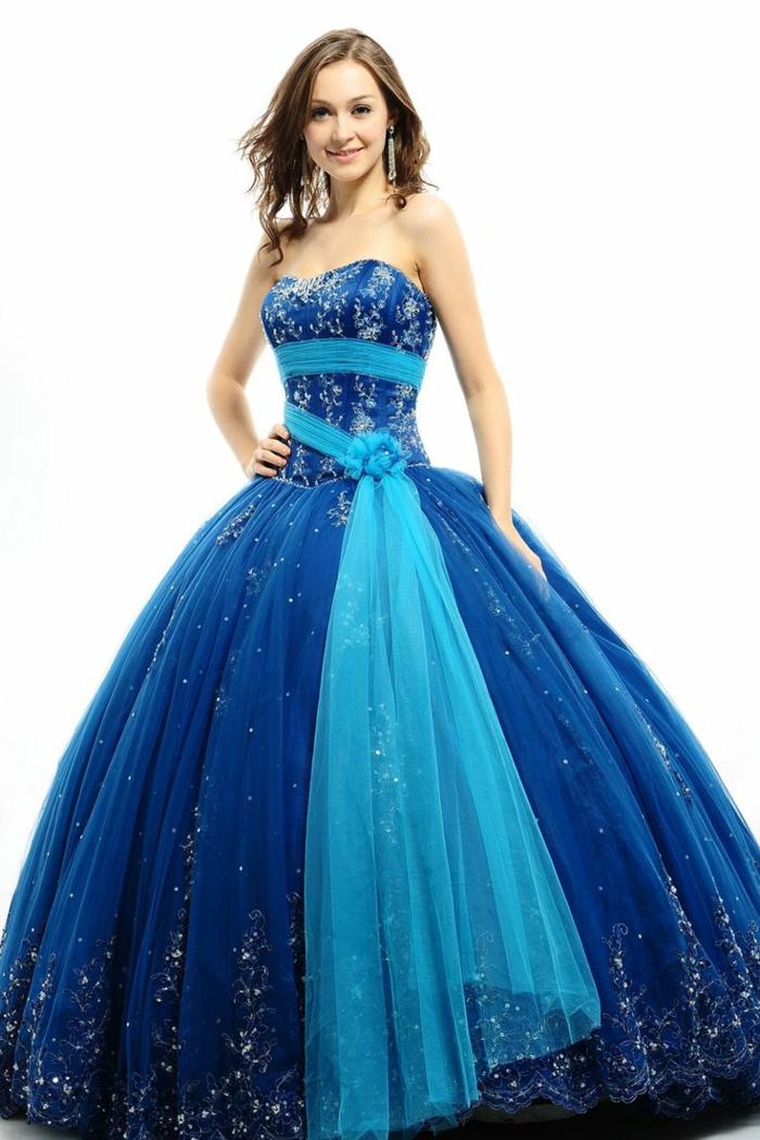blaues kleid farbgestaltung blaue kleider dessin prinzessinenhaft