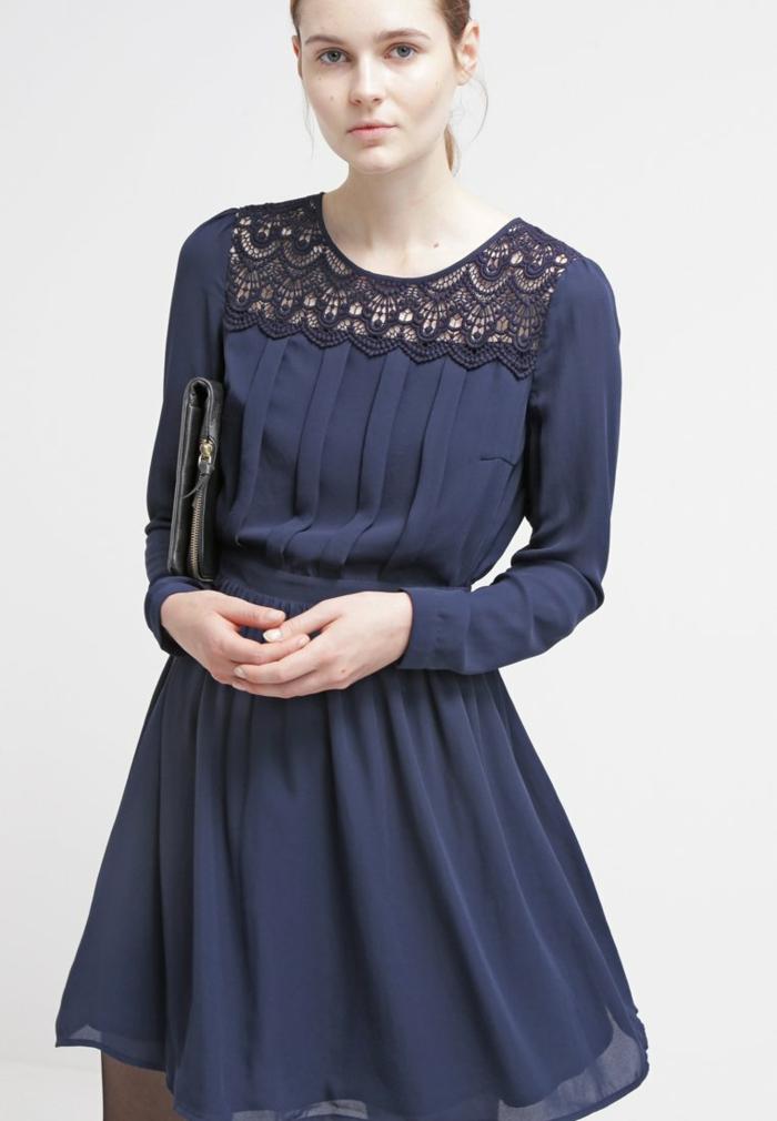 blaues kleid farbgestaltung blaue kleider dessin seide spitze. Black Bedroom Furniture Sets. Home Design Ideas