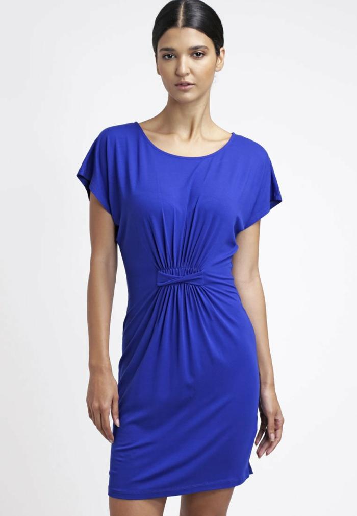 blaues kleid farbgestaltung blaue  kleider dessin  seide sportlich elegant