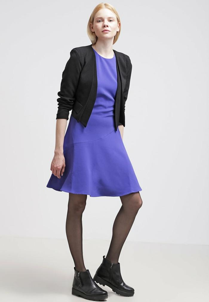 blaues kleid mit spitze kleid farbgestaltung blaue. Black Bedroom Furniture Sets. Home Design Ideas