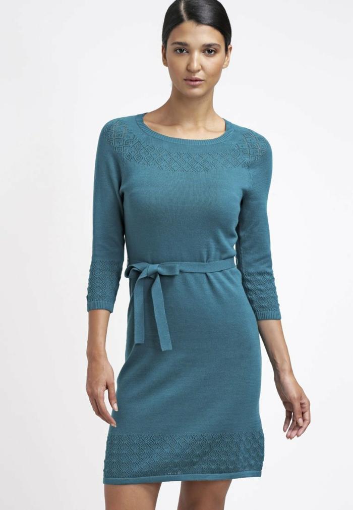 blaues kleid farbgestaltung blaue kleider dessin strickklied