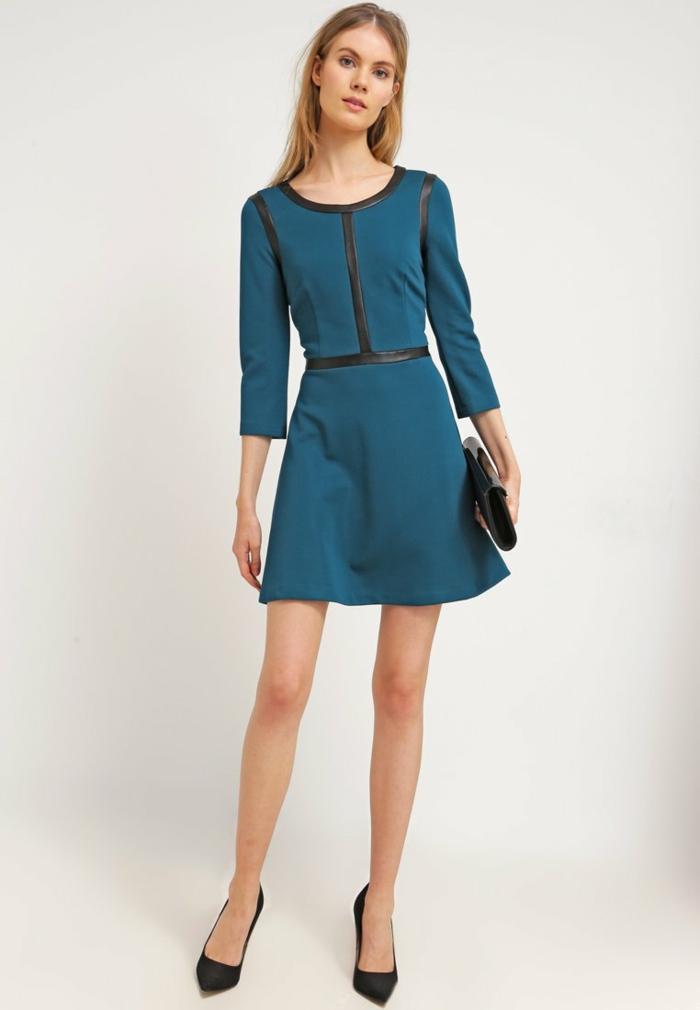 blaues kleid farbgestaltung blaue kleider dessin zart