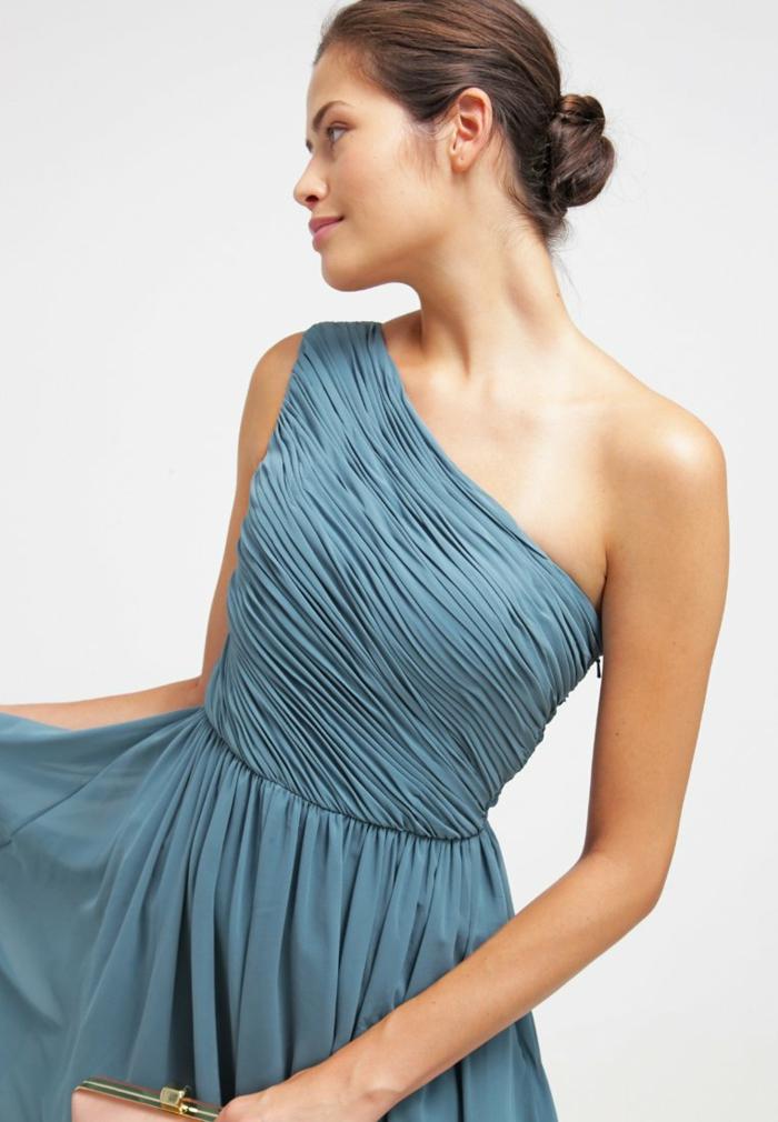 blaues kleid farbgestaltung blaue kleider drapiert