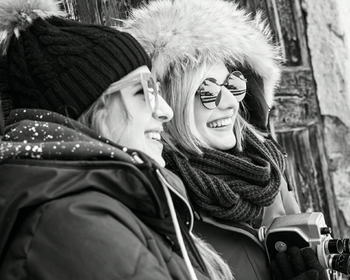 brillenmode modische brillen aktuelle tendenzen aktuell rund spiegeloberflaeche