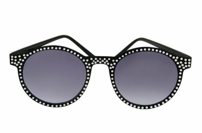 modische brillen aktuelle tendenzen neon blau glssteinchen