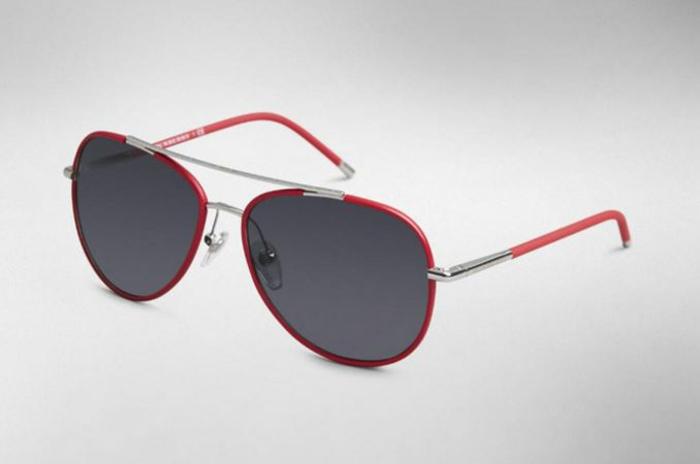 modische brillen aktuelle tendenzen rote fasssung rahmen