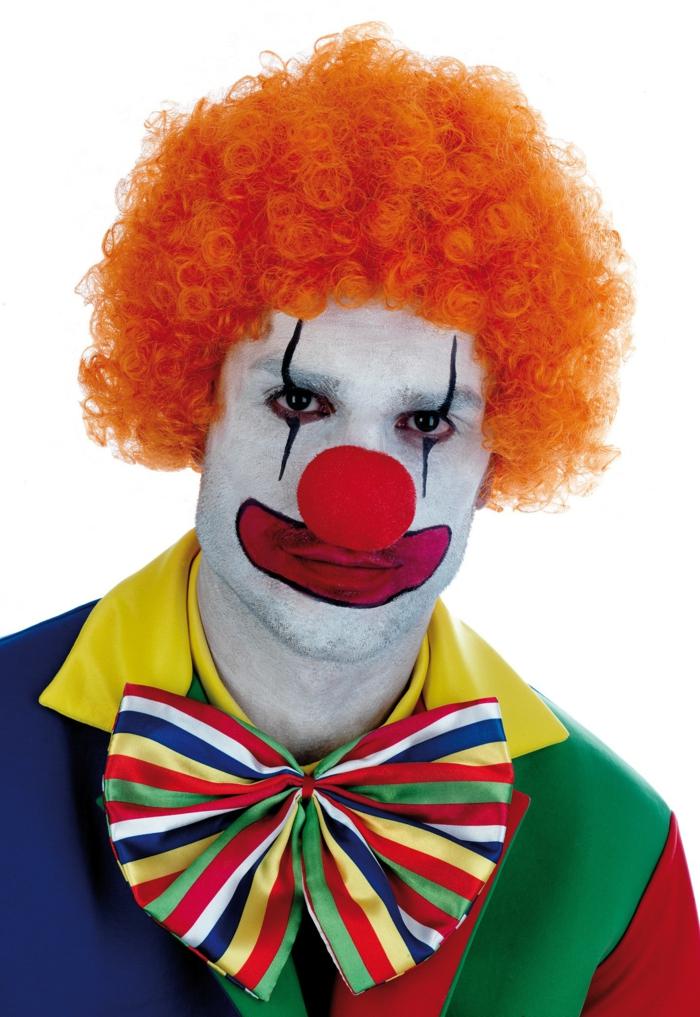clown schminken orangene perücke bunt gestreifte fliege rote nase rund
