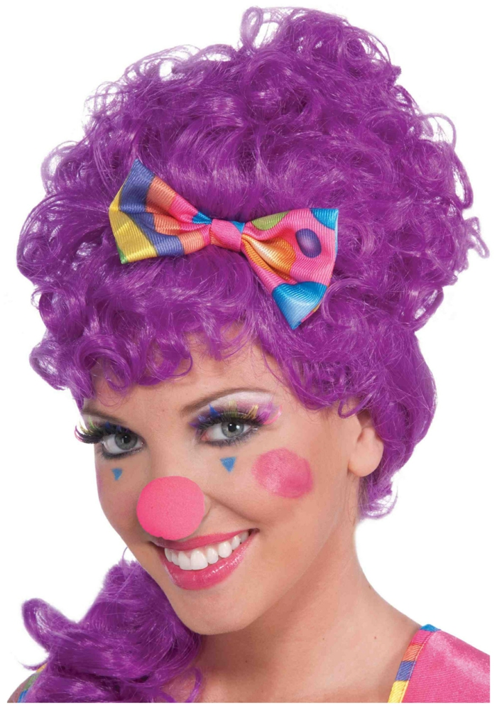clown schminken rosa runde nase lila perücke