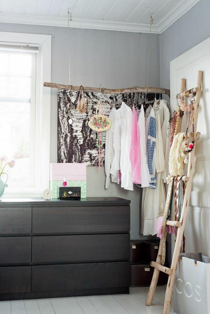 dekoideen diy alte gegenstände holzleiter garderobe wohnzimmer flur