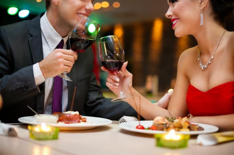 die schönste Liebeserklärung Bilder Valentinstag Geschenke romantisches Diner