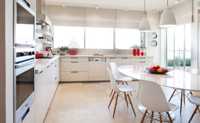 einrichtungsideen küche einrichtungstipps essraum esszimmer unterschränke weiß fensterrollen