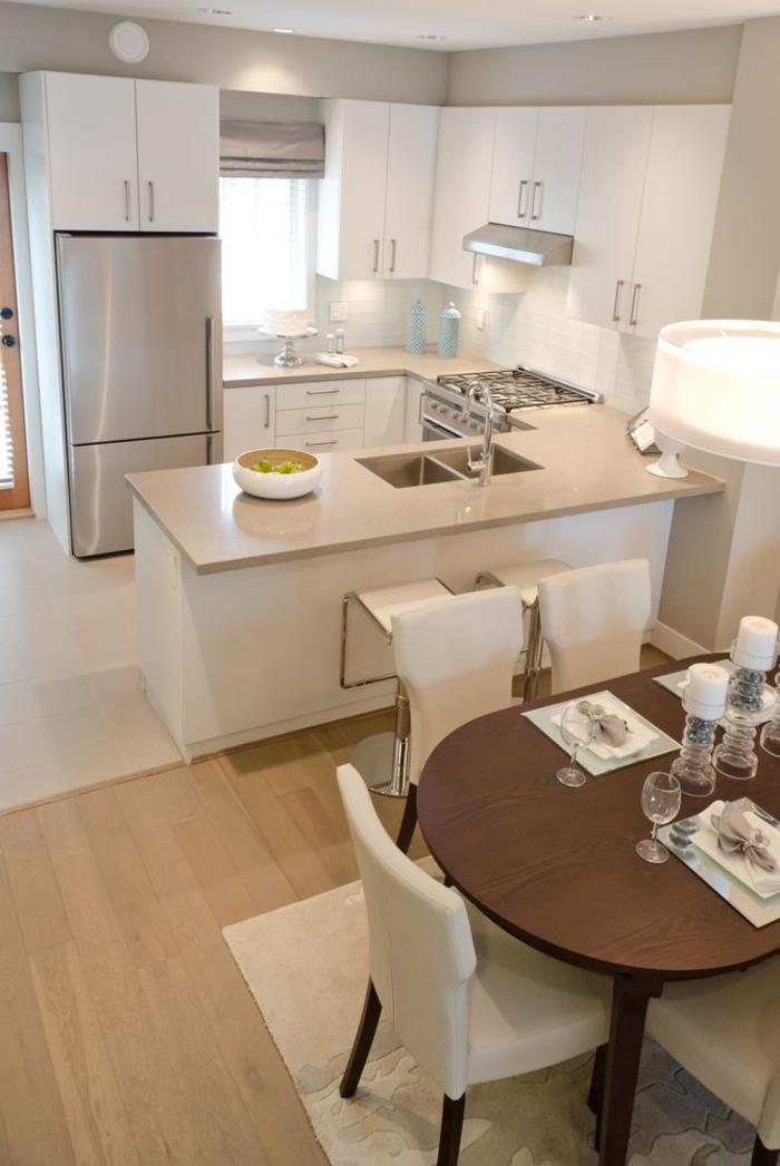 einrichtungsideen küche einrichtungstipps esstisch essbereich weiße stühle kücheninsel bartheke barhocker weiße küchenmodule schränke