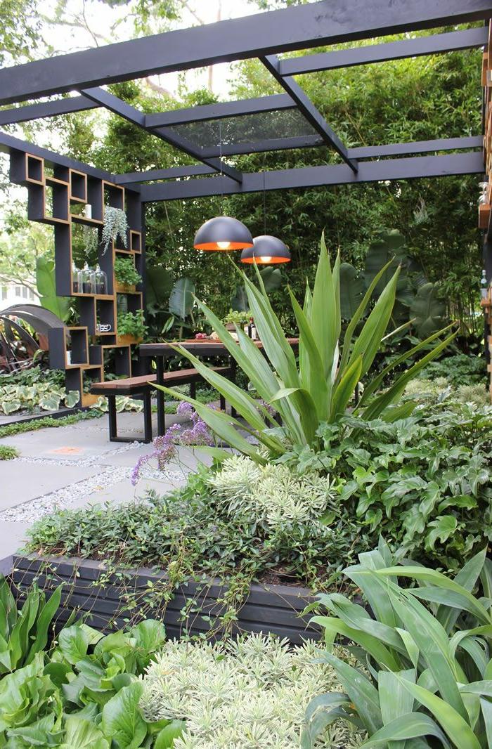 garten gestaltung city style pflanzen pendelleuchten