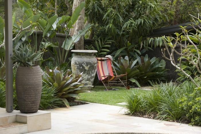 garten gestaltung klappbarer gartenstuhl pflanzen