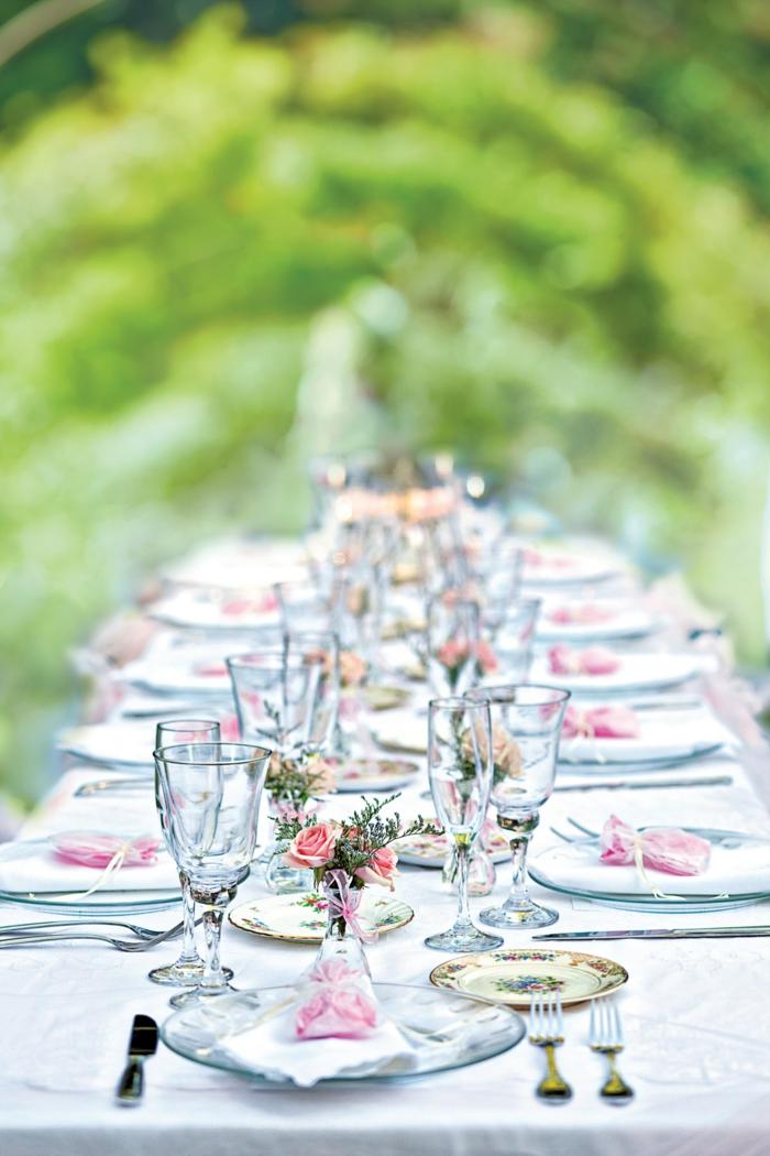 gartenparty deko elegante tischdeko weiße tischdecke