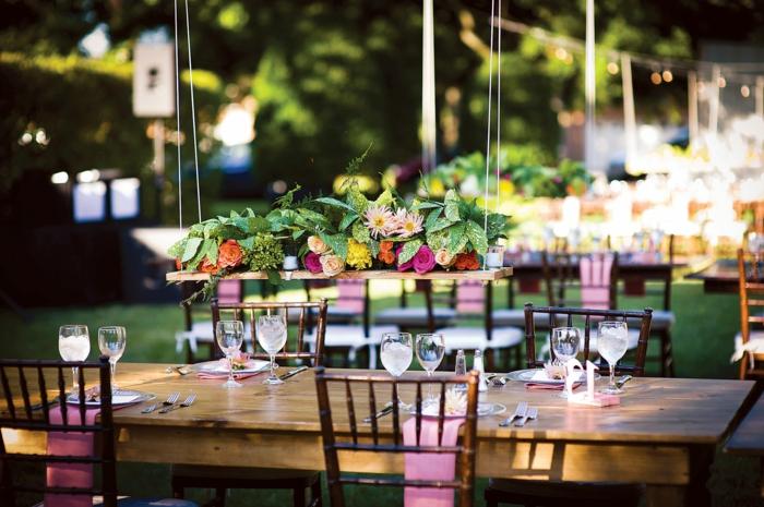 gartenparty deko tischdeko hängepflanzen gartenideen hochzeit