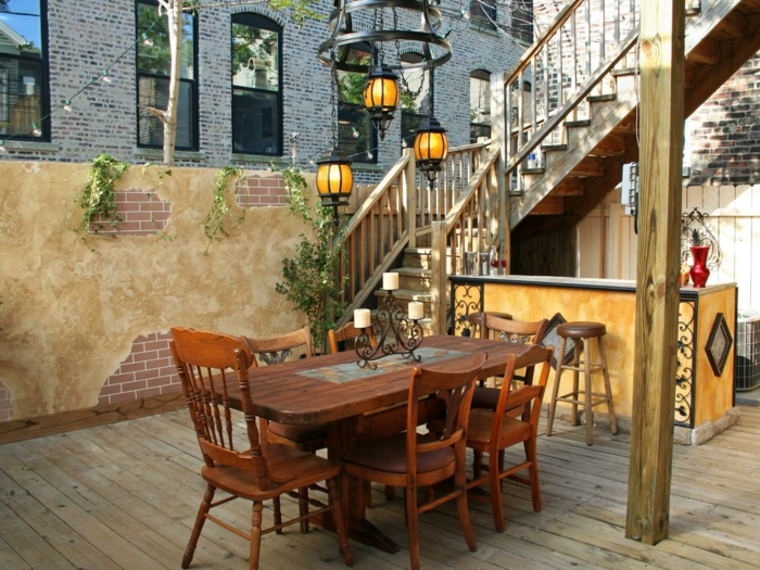 gartentisch rustikal gartengestaltung ideen holzboden patio