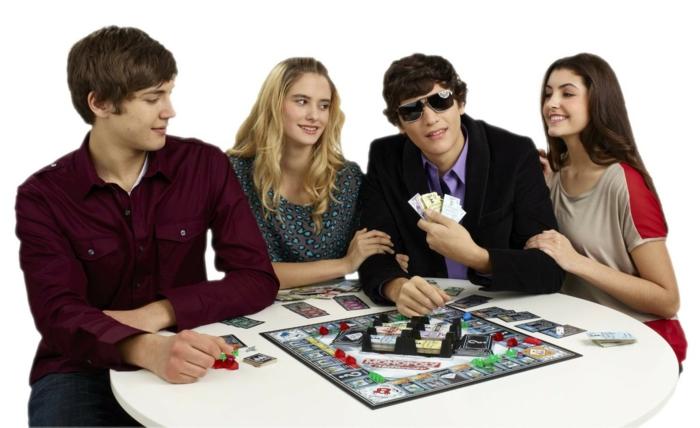 geschenkideen freund geschenk bester freund gesellschafliches spiel set familen zicvke monopoly