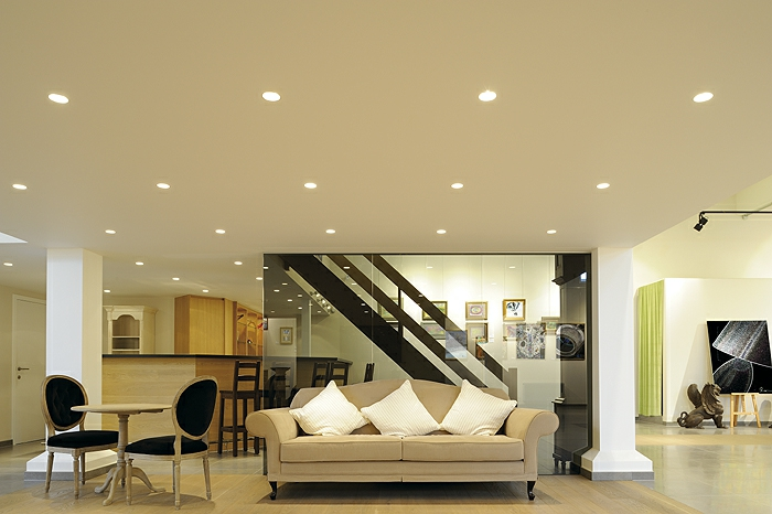 led beleuchtung decke dunkeles interior lichtstimmung erzeugen lampen