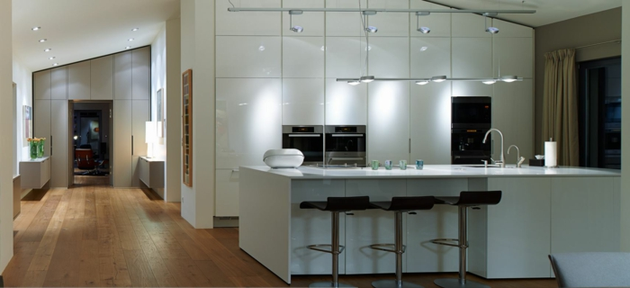 indirektes Licht ikea beleuchtung decke dunkeles interior wandgestaltung weiße küche