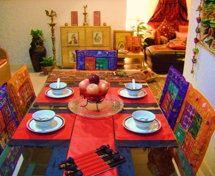 einrichtungsbeispiele raumgestaltung inneneinrichtung ideen inneneinrichter wohnideen einrichtung ideen india rot curry lila esstisch