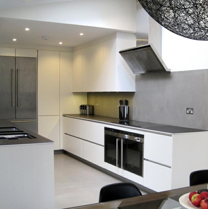 küchendesign einbauleuchten graue wände kleine küche