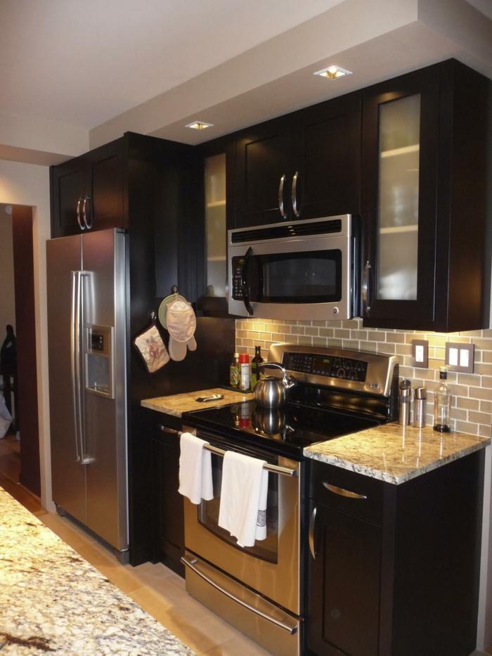 küchendesign ideen kleine küche einrichten küchenfliesen