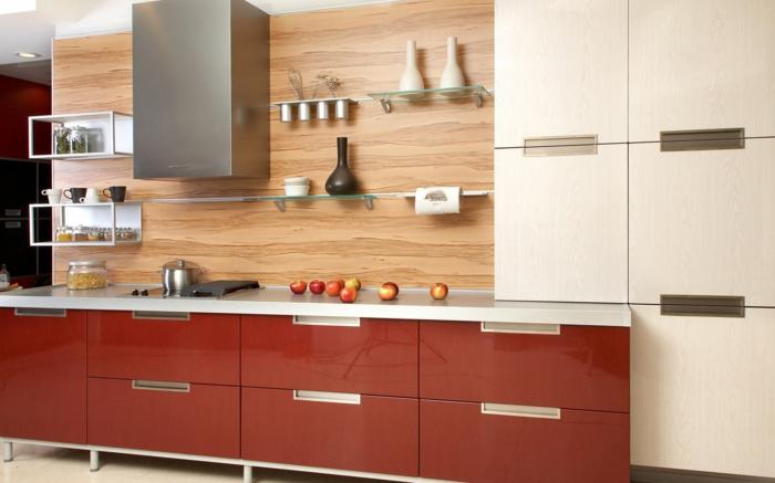 küchendesign wandpaneele hölzerne textur rote küchenschränke offene regale